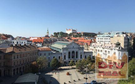 D+V real ponúka na prenájom: kancelárie na Nám. SNP, Bratislava I, Staré Mesto, nezariadený, 2x výťah