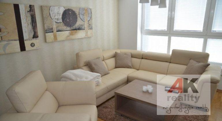 Prenájom 3 izbový byt Bratislava-Ružinov, Drieňová ulica