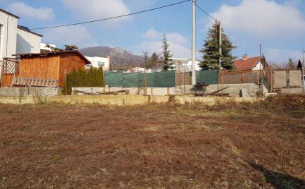 Exkluzívne predám pozemok - ZOBOR - Nitra, pekný výhľad.