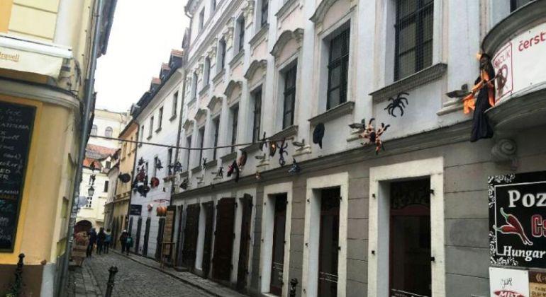 Prenájom 1 izbový byt Bratislava-Staré Mesto, Baštová ulica