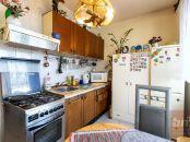 Predaj - veľký 2-izbový byt v Ružinove (70 m2) s balkónom