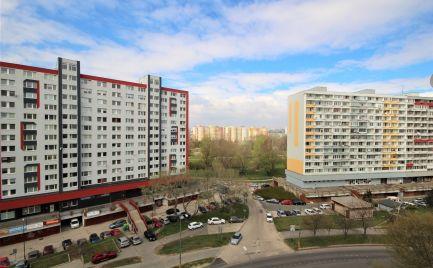 PREDAJ - kompletne zrekonštruovaný 2i byt vo výbornej lokalite v Petržalke, BA V.