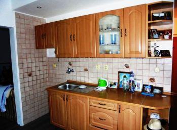 2-i byt 55 m2, ZATEPLENÝ, NÍZKE NÁKLADY, TOP LOKALITA- PREDANÉ