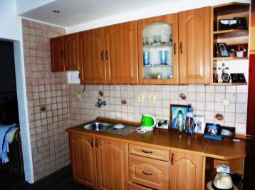 2-i byt 55 m2, ZATEPLENÝ, NÍZKE NÁKLADY, TOP LOKALITA- REZERVOVANÉ