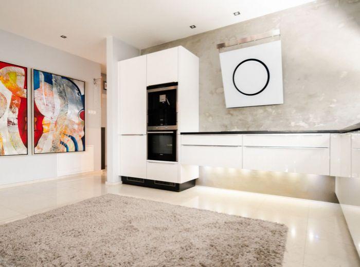 ČIERNA VODA, 4-i dom, 198 m2 – SAUNA, podlahové kúrenie, KRB, zasklená terasa, BEZÚDRŽBOVÁ ZÁHRADA