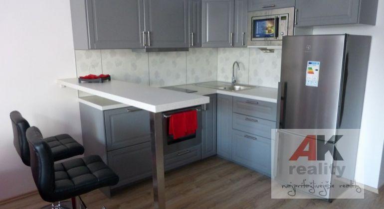 Predaj 2 izbový byt Bratislava-Ružinov, Jégého ulica