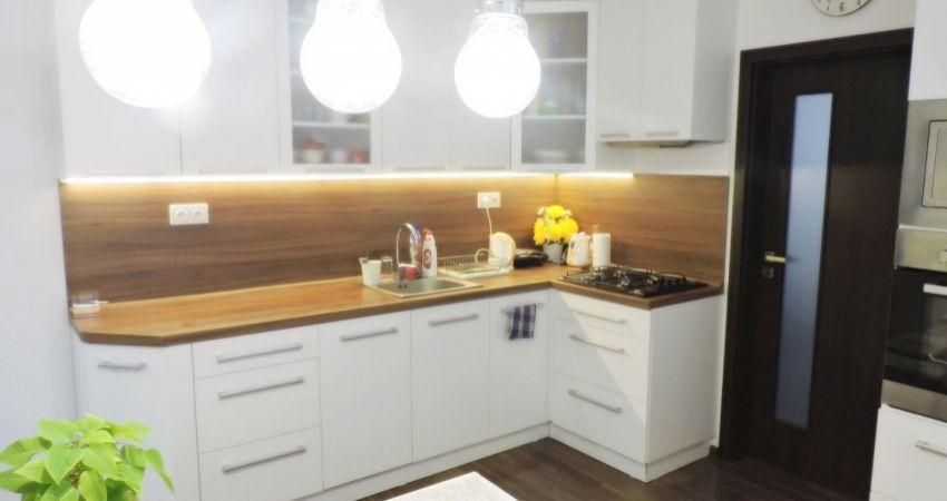 REZERVOVANÉ Veľkometrážny 3 izbový byt Svinná - novostavba