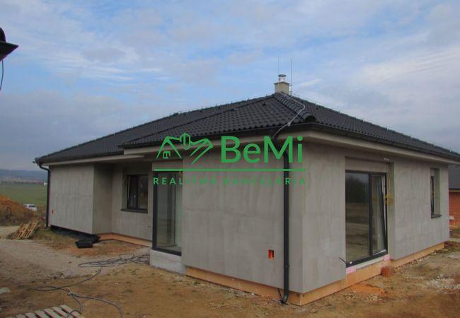 REZERVOVANÉ !! Predáme novostavbu rodinného domu - Martin nad Žitavou (810-12-AFI)