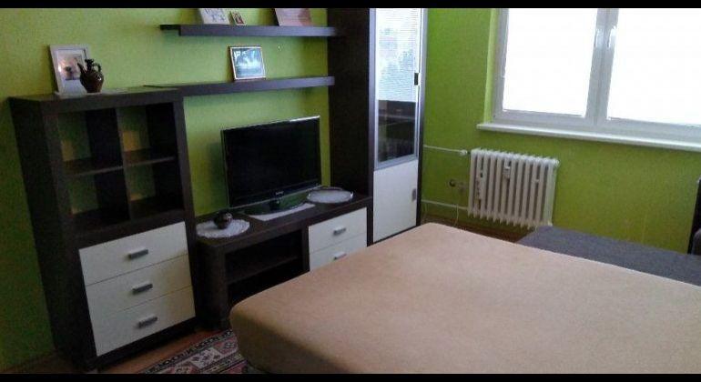 Prenájom - priestranný 1 izbový byt Bratislava-Dúbravka, Považanova ulica