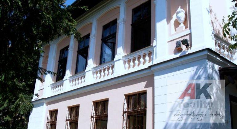 Prenájom vila Bratislava-Staré Mesto, Godrova ulica.