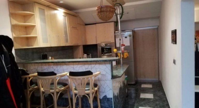 Prenájom- pekný, veľký 4 izbový byt Bratislava-Petržalka, Hrobákova ulica