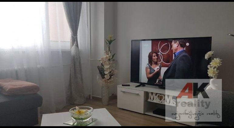 Predaj - kompletne zrekonštruovaný -2 izbový byt Bratislava-Nové Mesto, Nobelova ulica