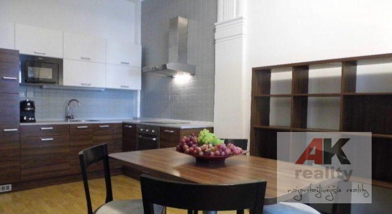 Prenájom 2 izbový byt Bratislava-Staré Mesto, Medená ulica