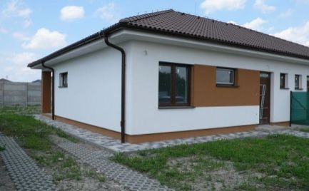 Ponúkame na predaj moderný 3 izbový rodinný dom v Dunajskej Strede