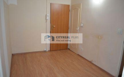 Predám 4 izbový byt blízko tržnice v Nových Zámkoch