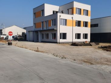 PREDAJ - STAVBA administratívnej budovy so skladom