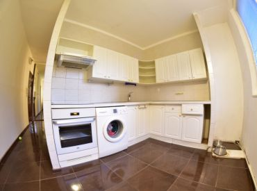 Na predaj 4-izbový byt s lodžiou, 80 m², Nejedlého ul. BA-IV – Dúbravka