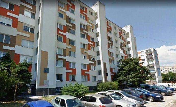 Pekný kompletne zrekonštruovaný 4izb. byt, BA II - Vrakuňa na Toplianskej ulici