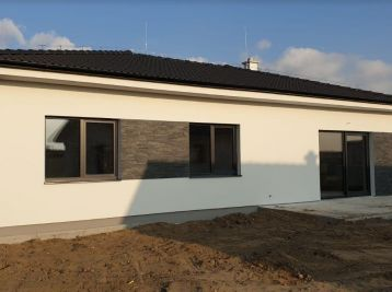 NOVOSTAVBA 2019 !!! 4 izb. bungalov na 5 ár. pozemku