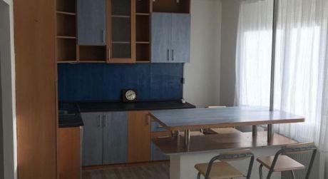 Prenájom - 1 izbový byt na vyvýšenom prízemií na Bubnovej ul. v Komárne