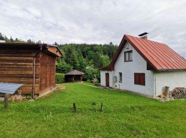 Predaj celoročnej chaty v chatovej oblasti obce Marček, 500 m2, Cena: 73.000 €