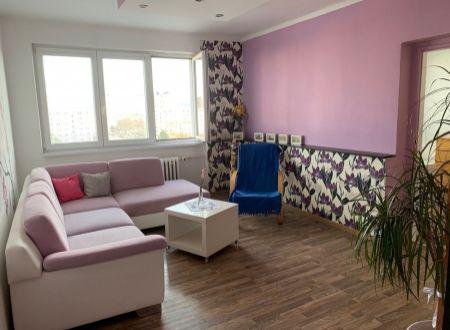 2 izbový byt  s balkonom Topoľčany / Takmer Centrum
