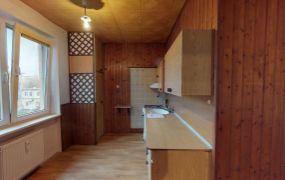 Na predaj tehlový 2 izbový  byt s balkónom, 57 m2, Nová Dubnica - Komenského Sady.