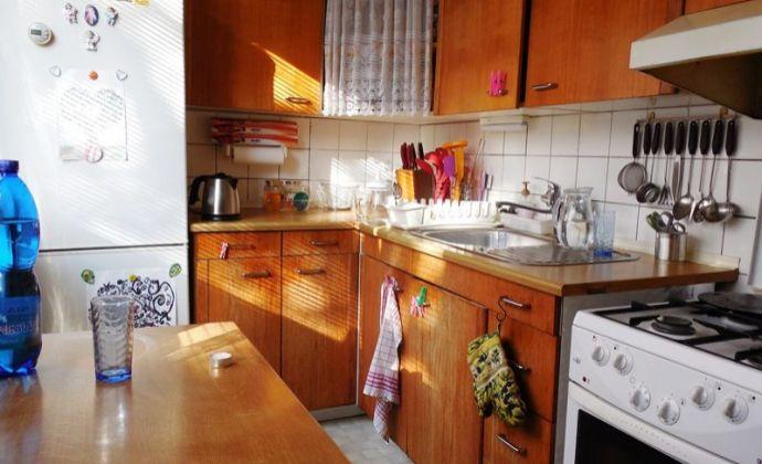 Svetlý 1izb. byt bez balóna, 38 m2, Ružová ul. - Stupava ** VÝHODNE **