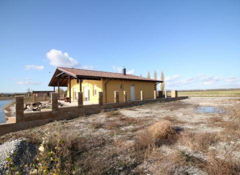 Na predaj stavebný pozemok 330 m2 so stavebným povolením