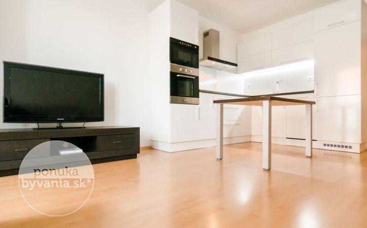 PREDANÉ - VYŠEHRADSKÁ, 2-i byt, 64 m2 - NOVOSTAVBA, tehla, extrémne NÍZKE MESAČNÉ náklady, ZARIADENÝ