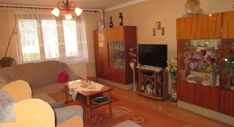 Na predaj 15 ročný, 6 izbový rod. dom, garáž, pozemok 1.372m2, Piešťany časť Kocúrice
