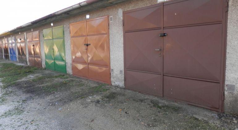 Na predaj garáž 20m2 v Partizánskom
