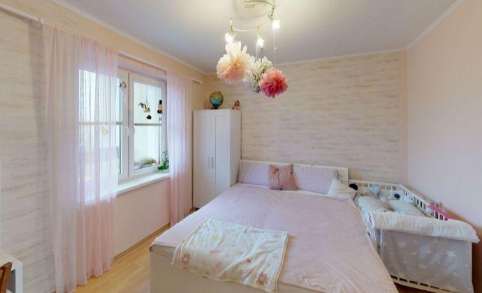 REZERVOVANÉ Ponúkame na predaj krásny 3 izbový byt aj s garážou na Novinách