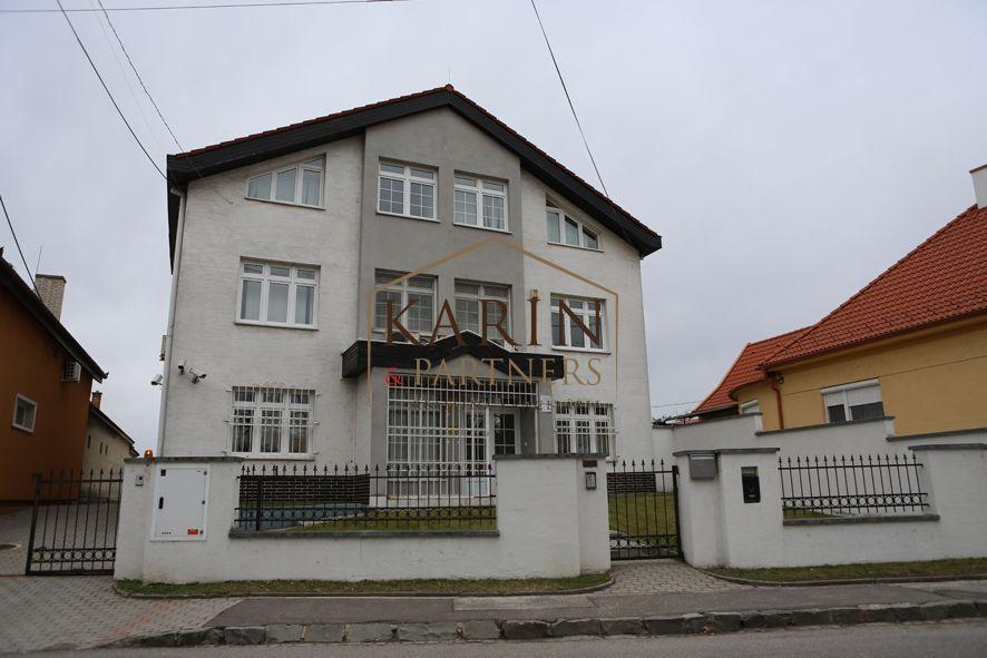 Administratívny objekt-Predaj-Bratislava - m. č. Podunajské Biskupice-800000.00 €