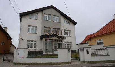 Na predaj administratívna budova, Podunajské Biskupice, možnosť prestavby na byty