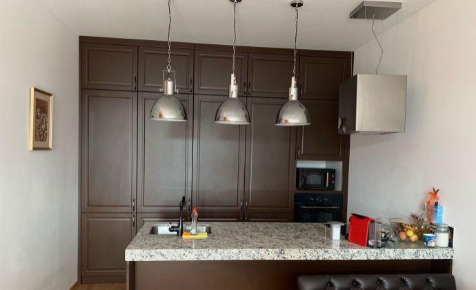 PRENÁJOM - 2 izbový klimatizovaný byt s parkovacím státím v Senci