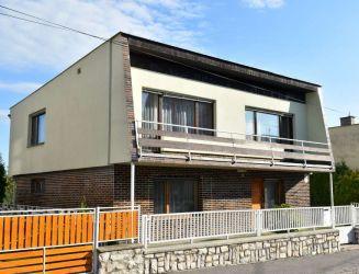 Zvolen, Môťová - rodinný dom s veľkou záhradou, hosp. budovou a garážou,  pozemok 739 m2