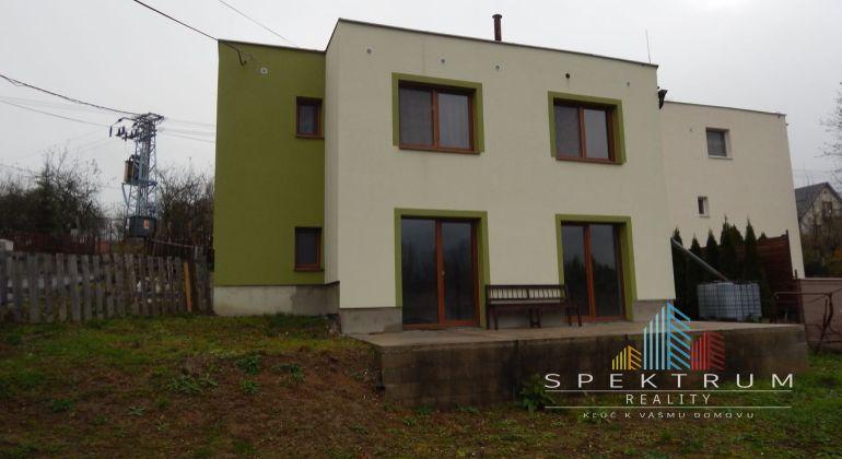 Exkluzívne-Na predaj 5-izbový rodinný dom  705 m2, Handlová, okres Prievidza