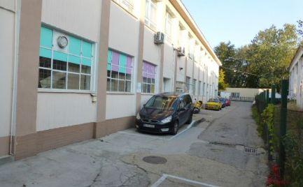 Na prenájom skladové priestory vo výmere 156,5 m2 na ul. K Železnej studienke.
