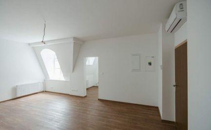 Na predaj úplne nový, klimatizovaný 1i byt s dvojročnou zárukou v Starom meste.