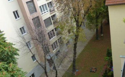 Na predaj úplne nový, klimatizovaný 2i byt s dvojročnou zárukou v Starom meste.