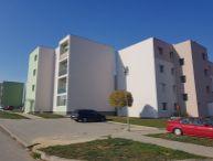 REALFINANC - 100% aktuálny! 1 izbový murovaný byt o výmere 30 m2, + vlastné parkovacie miesto, obec Šelpice !!!