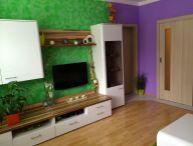 Krásne zrekonštruovaný 3.-izb. byt so zaskelnnou lodžiou, 64 m2, pivnica, zateplená bytovka, sídl. HLINY, Trnava