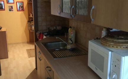 Prenájom 2,5 izb. bytu - širšie centrum Prievidze