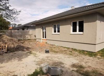 Rodinný 4-izbový bungalov s výborným dispozičným riešením a pekným pozemkom