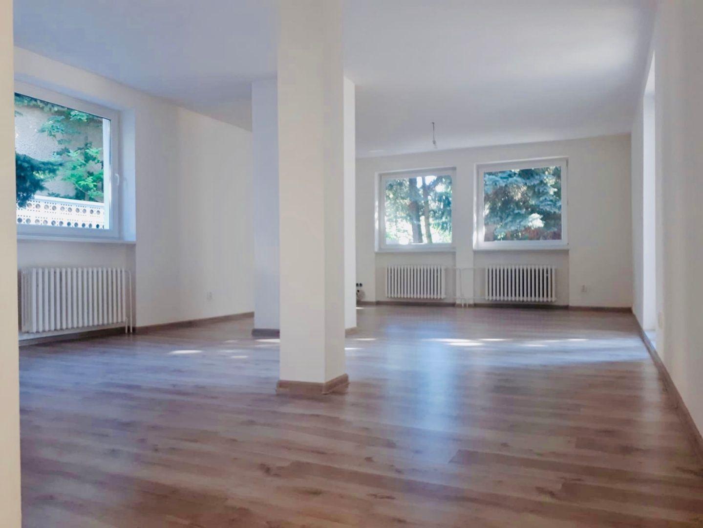 Rodinný dom-Predaj-Bratislava - mestská časť Lamač-299000.00 €