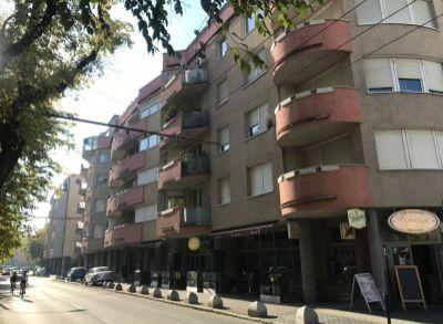 Predaj 2 izbový byt 74 m2 v centre Bratislavy s garážovým státim v cene, ul. Kýčerského