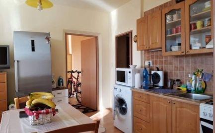 2 - izbový udržiavaný byt, 49m2 v blízkosti centra Brezno