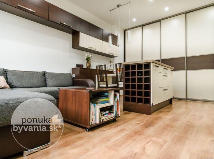 REZERVOVANÉ - MILETIČOVA, 2-i byt, 42 m2 -VLASTNÁ ZÁHRADA, tehla, zariadený, REKONŠTRUKCIA NA MIERU, 2 pivnice
