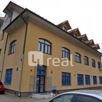 Kancelárie, Bratislava-Petržalka, 24 m², Čiastočná rekonštrukcia